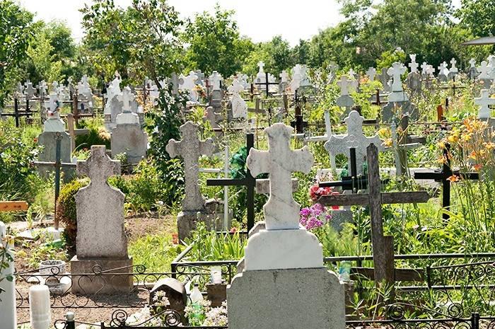 ALIANTA EVANGHELICA DIN ROMANIA CONTESTA AMENDAMENTELE BISERICII ORTODOXE INTRODUSE IN PROIECTUL NOII LEGI A CIMITIRELOR